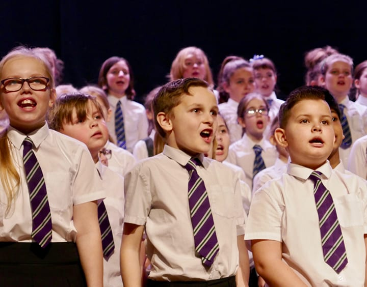 Over 1000 Children Raise The Roof At The Tunbridge Wells